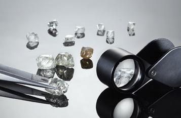 Examining diamonds